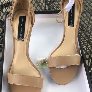New Size 7.5 heels, Natural/nude, Steve Madden